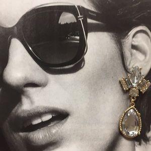 Jewelry - Rhinestone and crystal looking tear drop earrings